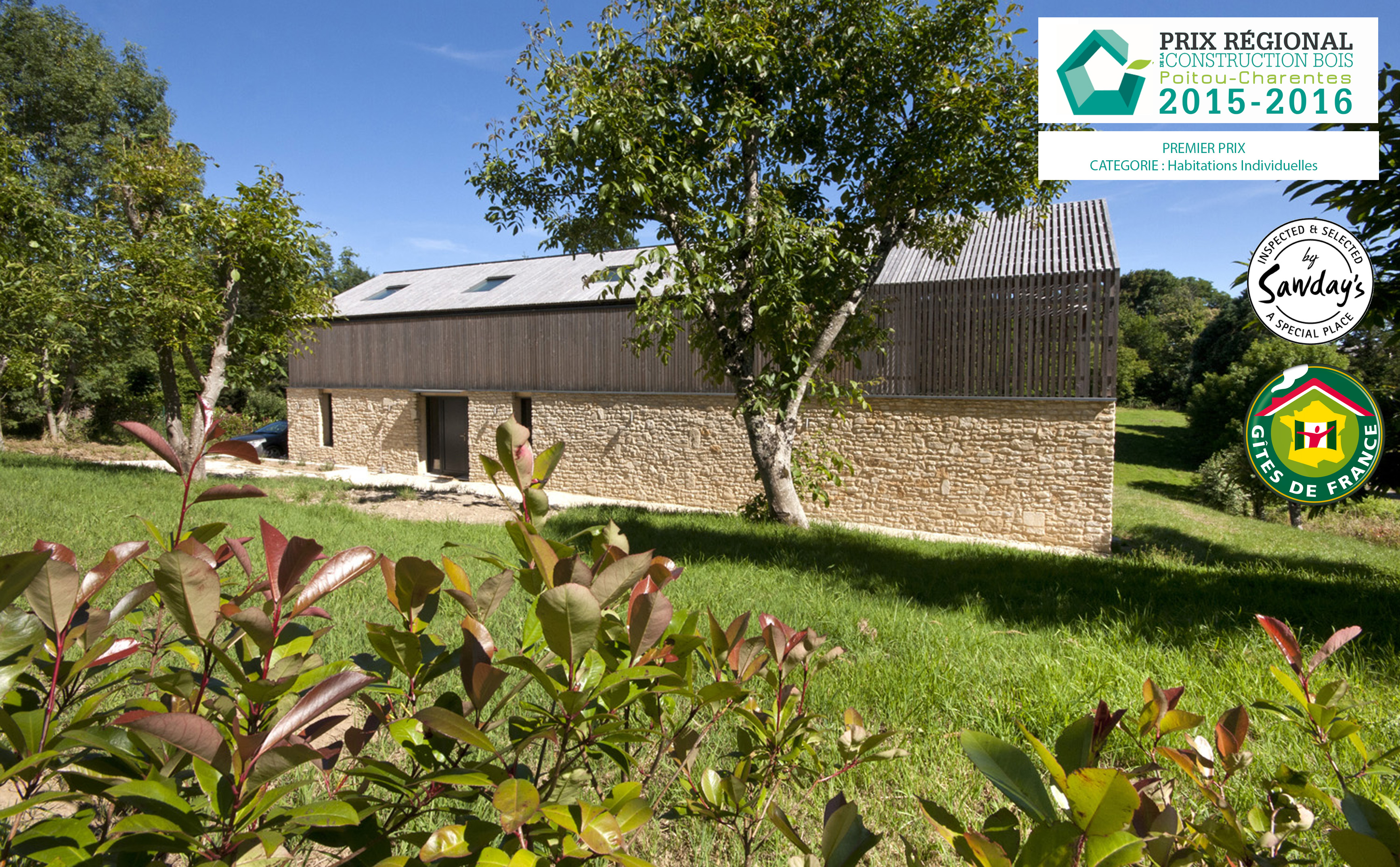Beautiful la maison bois charente with maison premier prix for Maison 1er prix