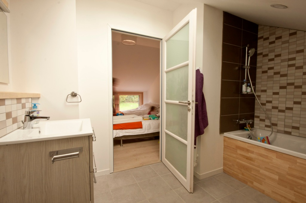 2nd bathroom,La Maison Bois Charente, Montemboeuf, gite, holiday home, eco